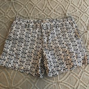Banana Republic Navy Blue and White shorts